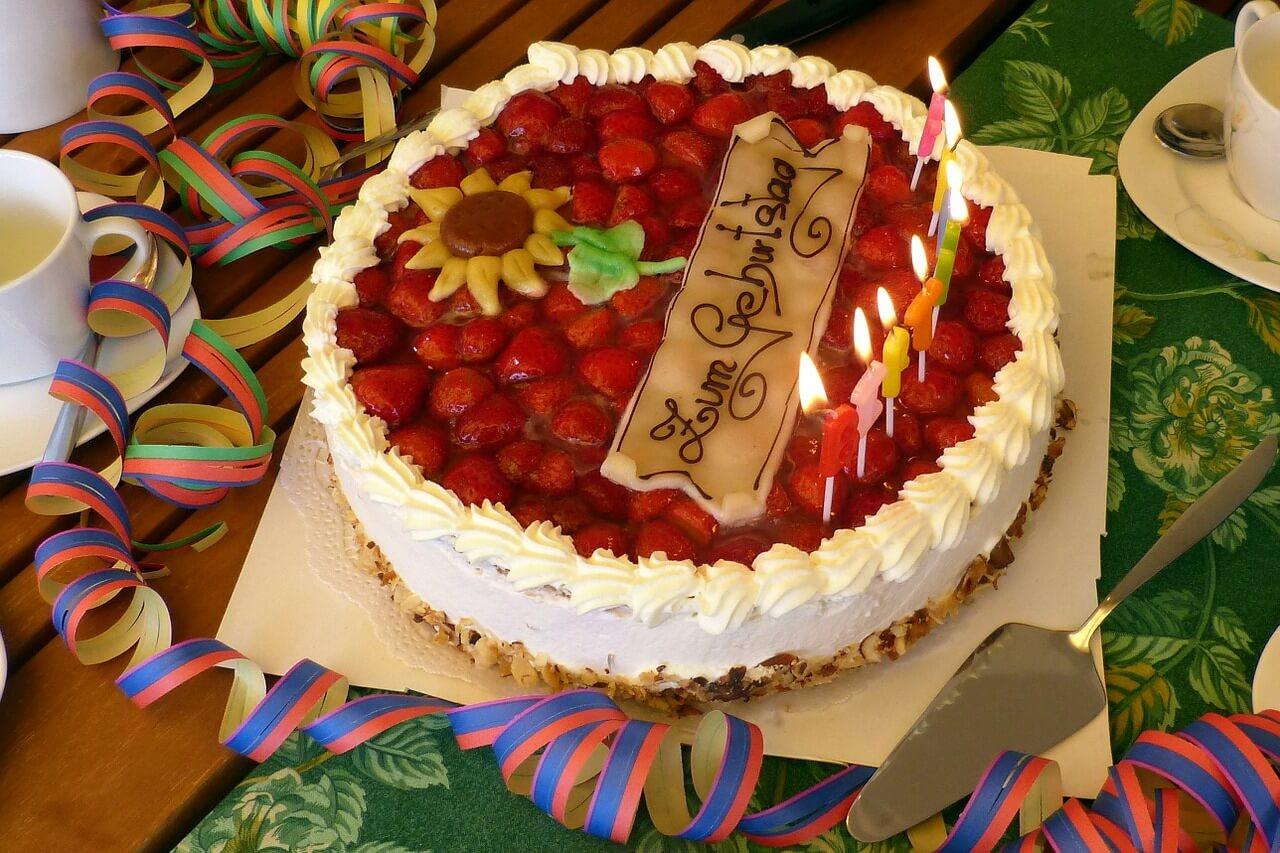 Bewirtungskosten: Kosten für Geburtstagsfeier mit Kollegen steuerlich absetzbar