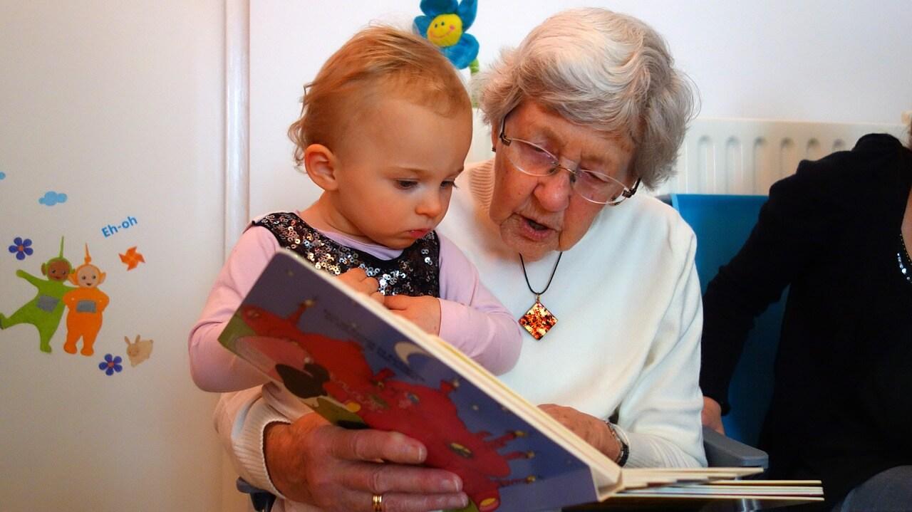 Was bei der Kinderbetreuung durch Oma und Opa absetzbar ist