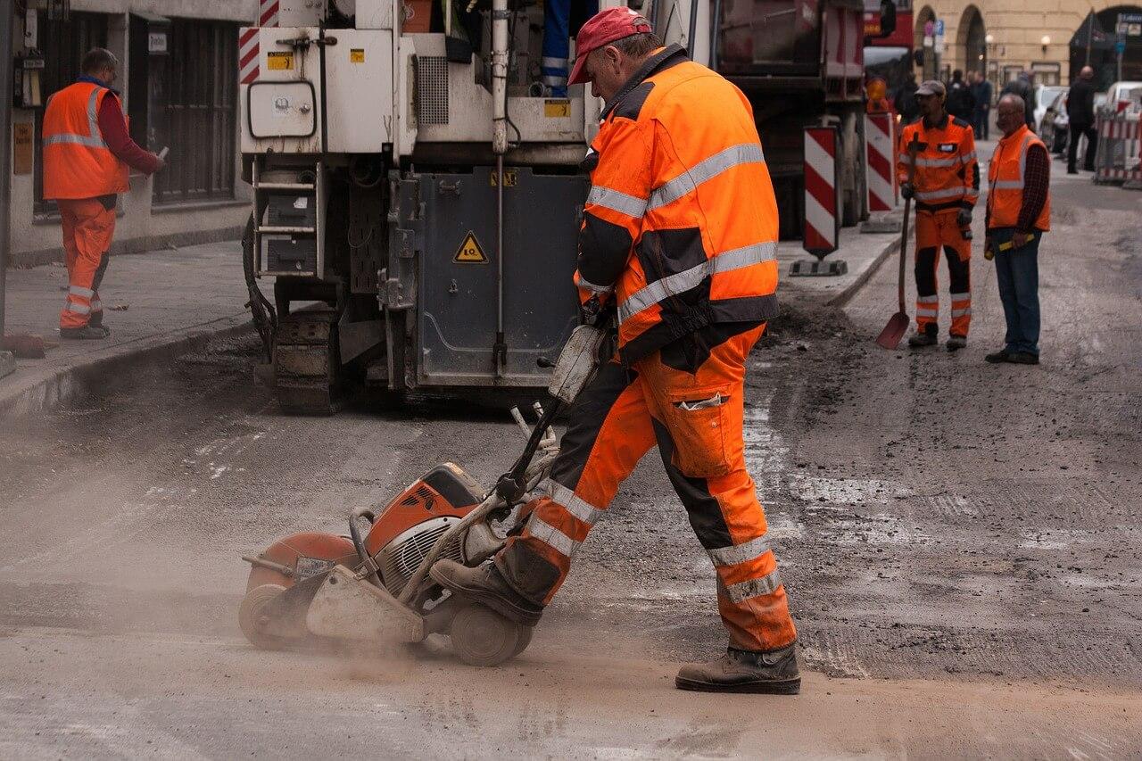 Handwerkerleistungen: Steuerbonus für Anliegerbeiträge zum Straßenausbau?