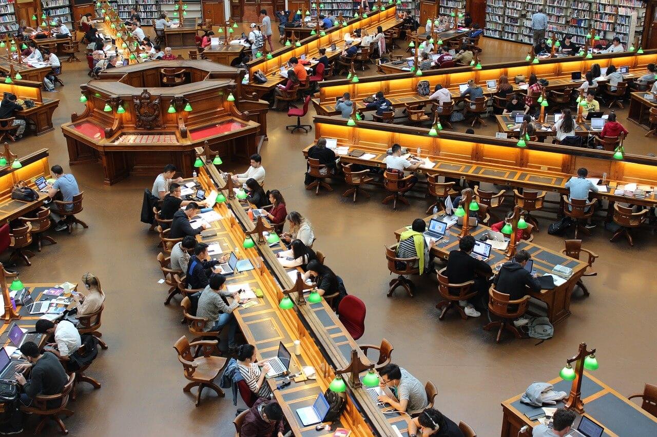 Studienkosten: Bescheide gegen die Ablehnung der Verlustfeststellung