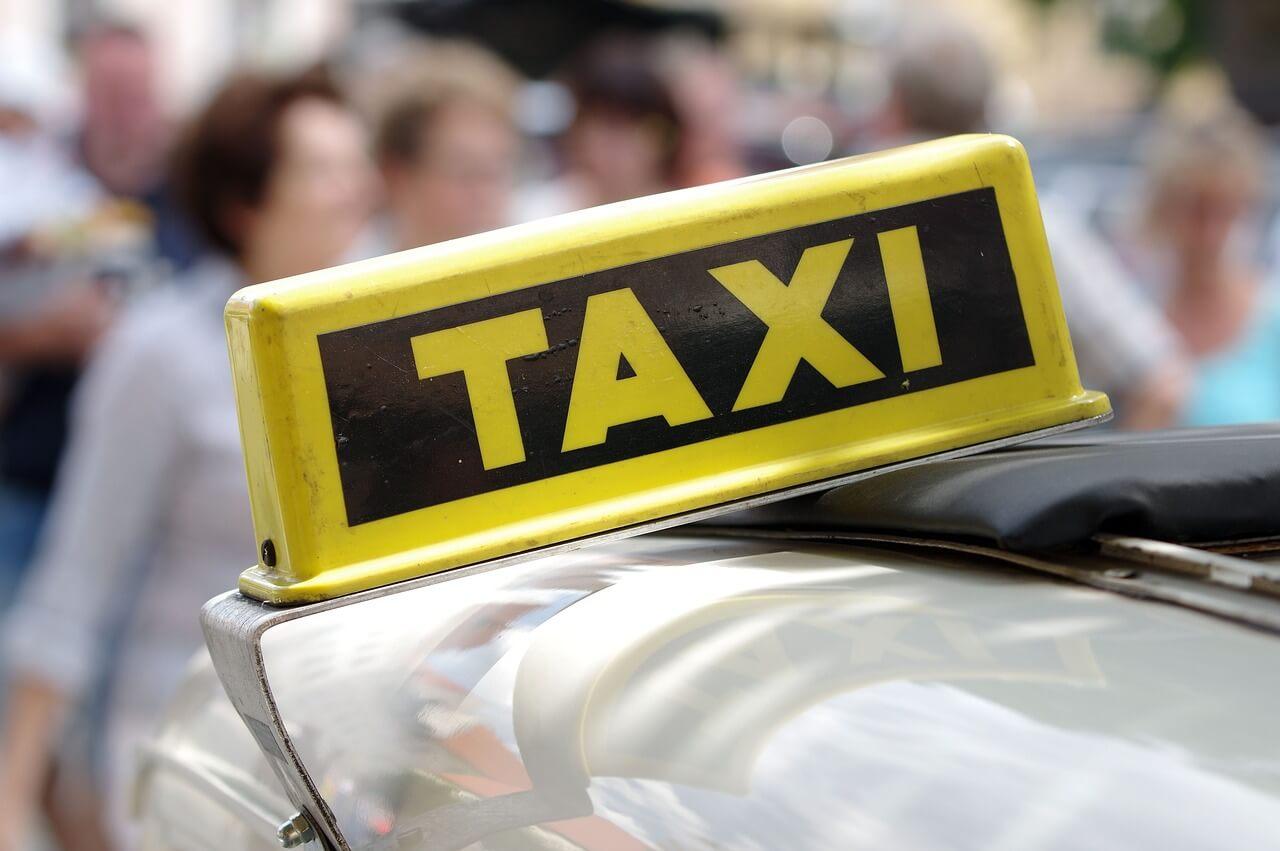 Auch hohe Taxikosten für Wohnungsbesichtigung abziehbar