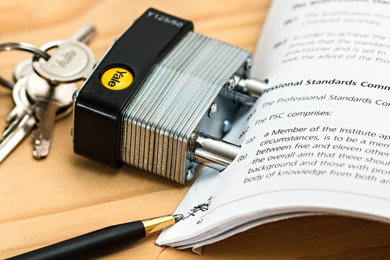 Riester-Verträge: Finanzamt muss bei Änderungen eigenständig prüfen